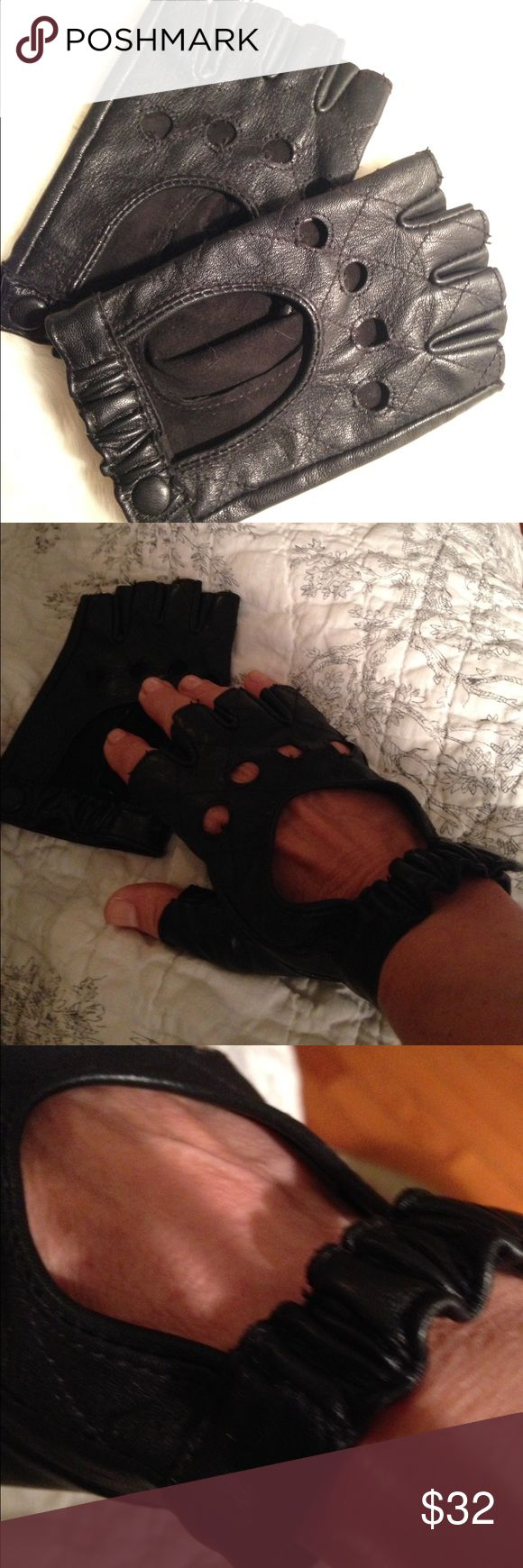 NWOT leather driving gloves👸🏻 Never worn. Just tried on. Fits small with strap that snaps and stretches. Had to have when I saw them on Carole radziwill my fav ny housewife Accessories Gloves & Mittens
