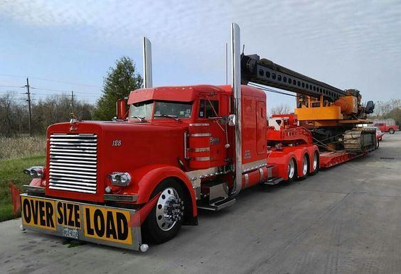 Happy Wednesday! Check out this Wicked Custom Peterbilt 379 Heavy Haul with Matching Lowboy #WideloadWednesday #WickedWednesday #NextTruck #Peterbilt #SemiTrucks