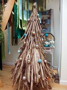 Driftwood Art on Pinterest | Driftwood Chandelier, Driftwood ...