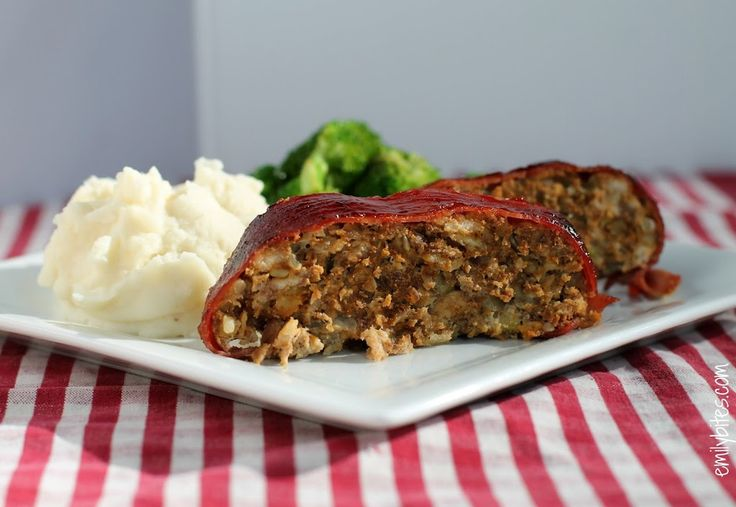 Bacon Wrapped BBQ Meatloaf - just 238 calories or 6 Weight Watchers points per serving. Low carb and delicious! www.emilybites.com #healthy