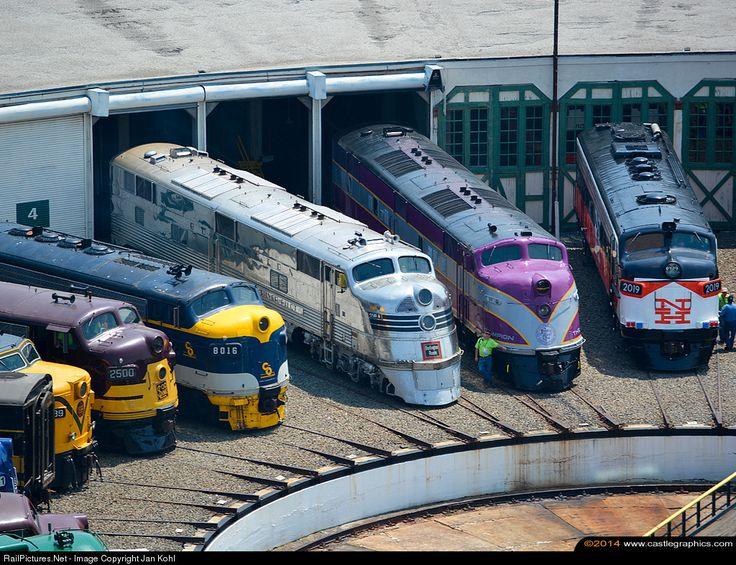 RailPictures.Net Photo: CBQ 9911-A Chicago Burlington & Quincy Railroad EMD E5, E3 at Spencer, North Carolina by Jan Kohl