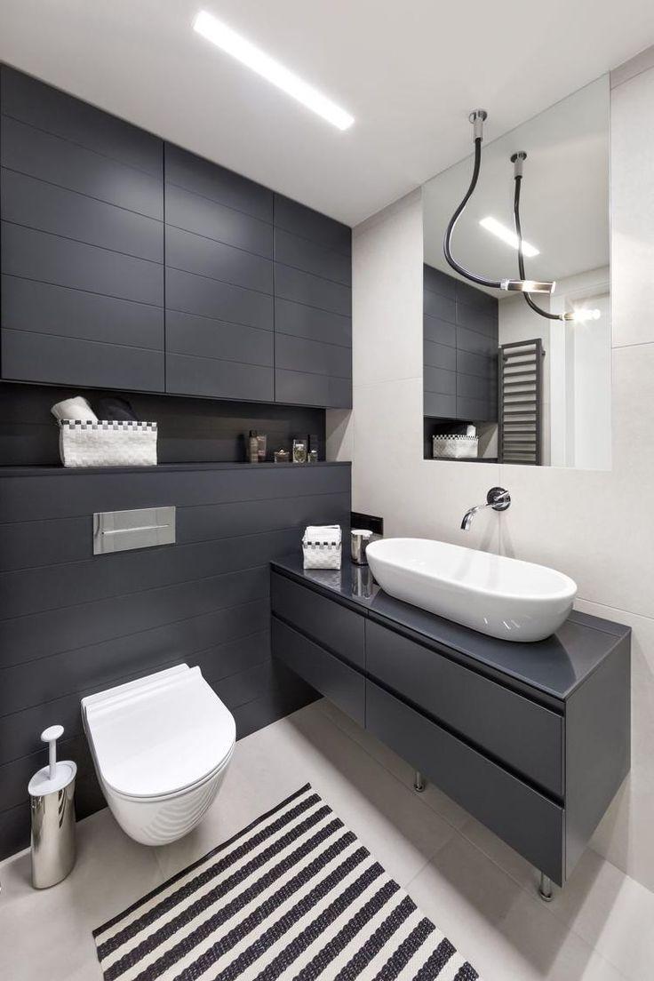 Mała łazienka w kolorze szaro-białym