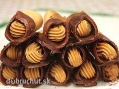 Medové trubičky s karamelovým krémom - Recept na trubičky ma veľmi lákal, tak som ho vyskúšala. Trubičky si pamätám z detstva. Sú výborné!