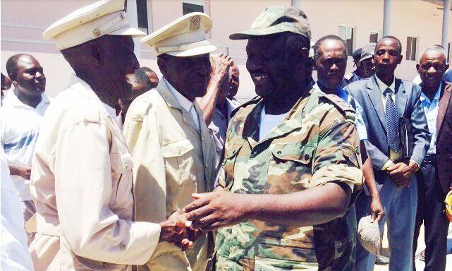 Tenente-General Eugênio Figuereido incansável quando o assunto é solidariedade http://angorussia.com/noticias/angola-noticias/tenente-general-eugenio-figuereido-incansavel-quando-o-assunto-e-solidariedade/