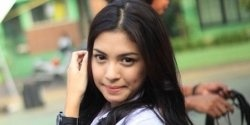 Alisia Rininta never think she is a ftv actress, but after Mendadak Alim and Bayu Cinta Luna success in the market. She have many fans and some...