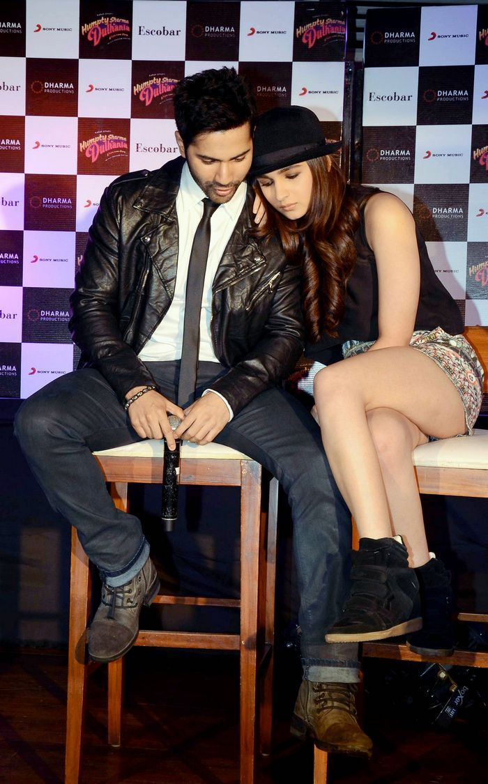 Alia Bhatt cozies up to Varun Dhawan at Samjhawan song launch #Style #Bollywood…