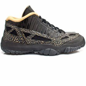 316318-071 Air Jordan 11 SE Low Black Gold $85.00 Save Up To  47% www.jordanpatros.com/