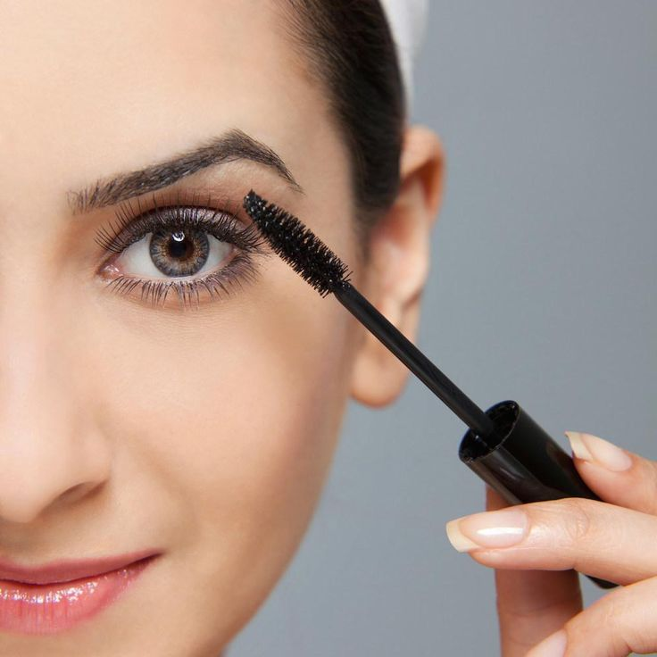 Mascara maakt je wimpers mooi lang en gekruld, en is daarom voor veel vrouwen een standaard product. Toch maken we wel eens foutjes met mascara die makkelijk vermeden kunnen worden. Wij zetten ze even op een rijtje.