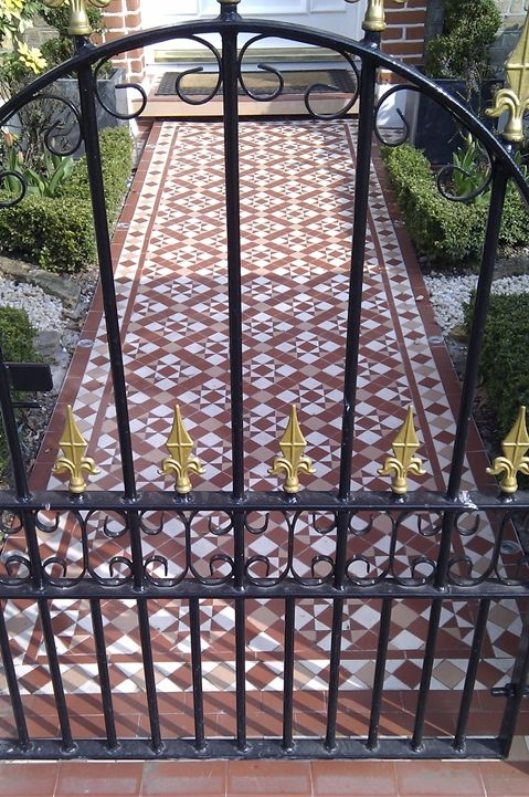 Victorian tile front path - very english