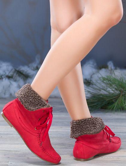 Γυναικείες μπότες  • Κατασκευασμένο από σουέτ • Με κορδόνια • Σταθερή γούνα στο πάνω μέρος • Ίσια γραμμή #shoes #koketa #fashion