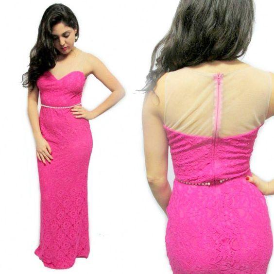 Lindo vestido todo em renda com delicado cinto de pérola. 👗   ✅ Cores Disponíveis: Pink, Azul, Verde e Coral  PROMOÇÃO : 💲150,00 A VISTA  #sofestavestidos #madrinhas #wedding #dress #formatura #casamentos #vestidodefesta #renda #pink #modafesta #modafashion #modafeminina