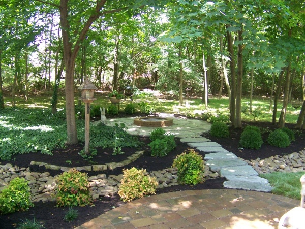 Inexpensive landscaping ideas for backyard mystical for Inexpensive landscape design