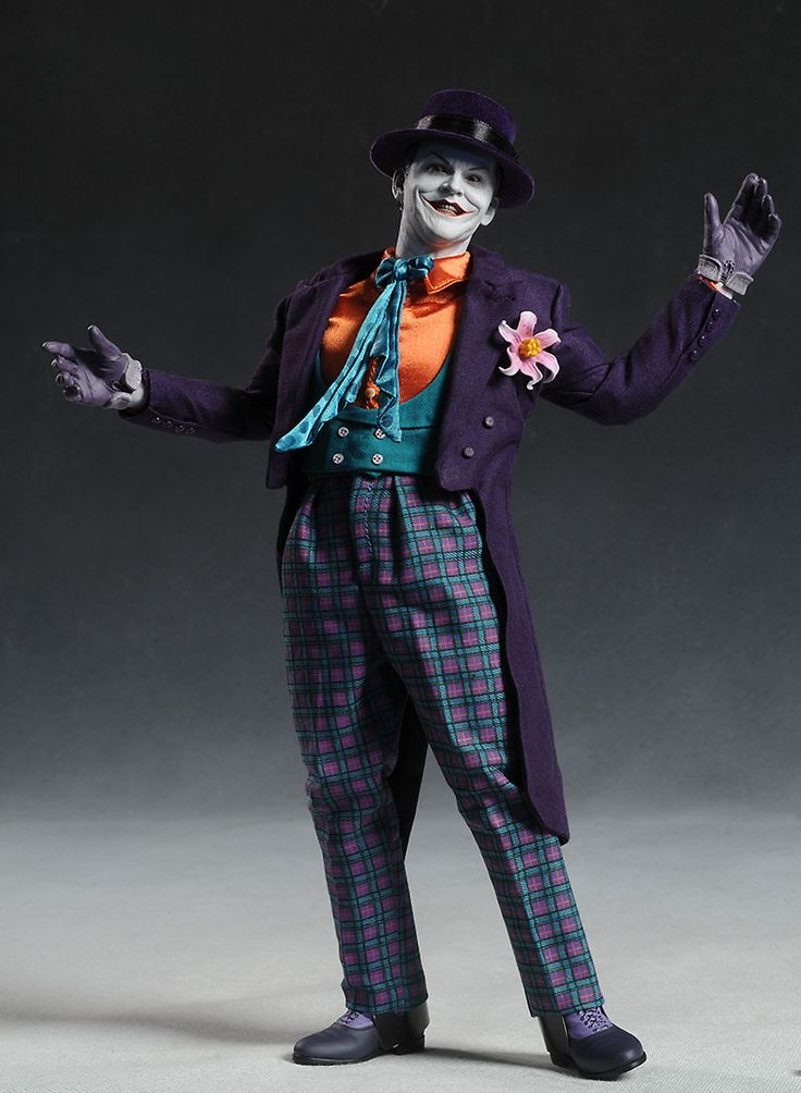 Google Image Result for http://www.mwctoys.com/images/review_htjackjoker_1.jpg