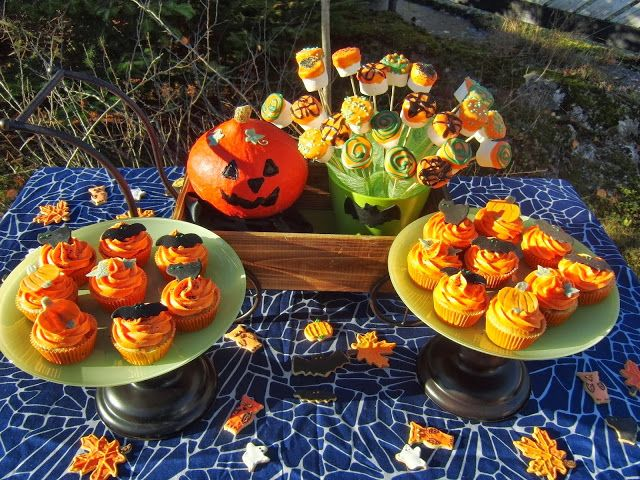 Celebration Treats 4U: Apple-Caramel Cupcakes - Halloween, osa IV