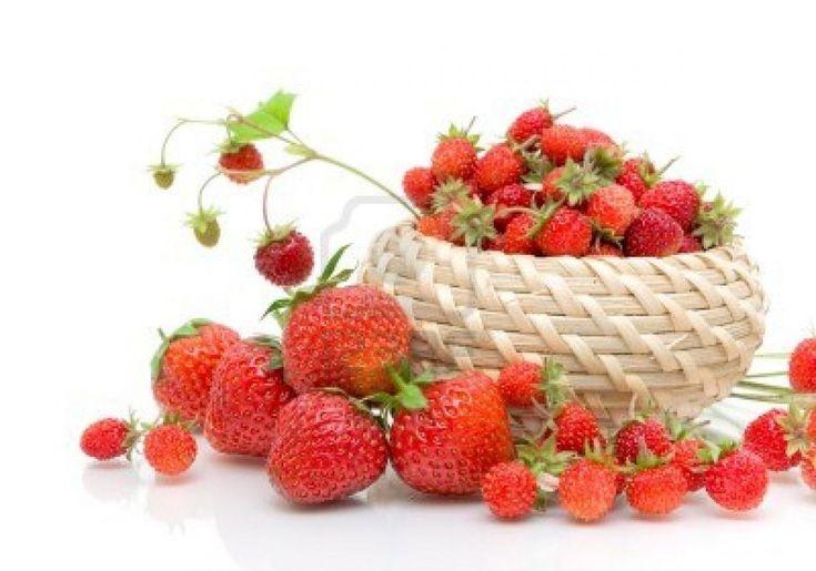Dieta cu capsune O dieta de vara cu fructe este intotdeauna de bun augur pentru detoxifierea organismului si pentru eliminarea grasimilor inestetice inainte de a lua plaja cu asalt.