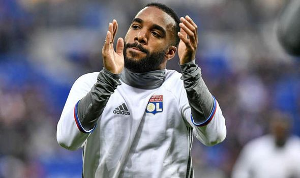 Alexandre Lacazette completes Arsenal medical: Transfer announcement expected soon   via Arsenal FC - Latest news gossip and videos http://ift.tt/2tdkb3m  Arsenal FC - Latest news gossip and videos IFTTT