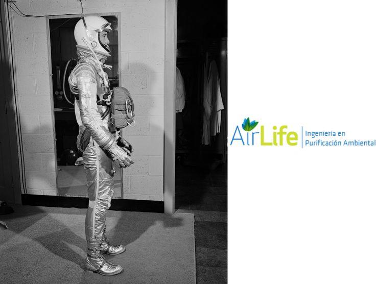 ¿Sabías que los primeros aparatos ionizadores fueron creados para los astronautas? #airlife #aire #previsión #virus #hongos #bacterias #esporas #purificación  Airlife te informa que fueron creados al comienzo de la ERA ESPACIAL ante la comprobación de que los astronautas y las personas que debían respirar oxígeno en una atmósfera que no sea la terrestre se debilitaban, enfermaban y morían, después de un tiempo bajo estas condicione. Se descubrió que se hacía necesario ionizar negativamente…
