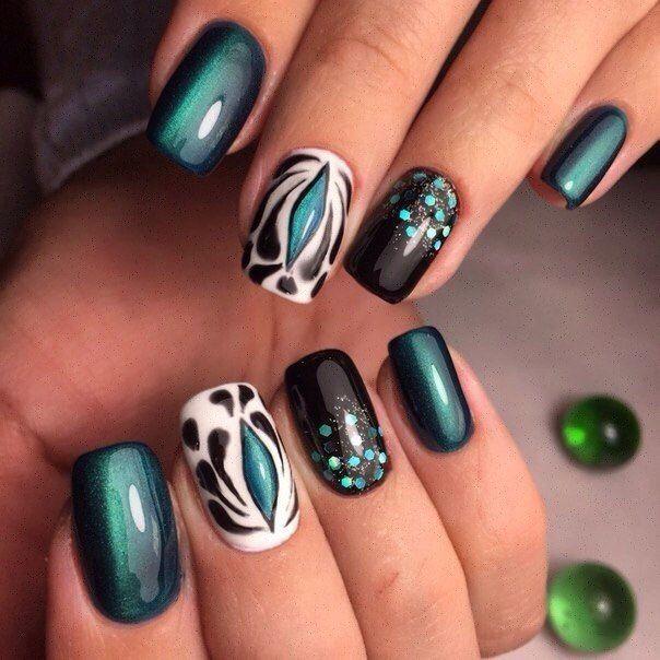 Beautiful new year's nail, Cat eye nails, Christmas gel polish, Festive cat eye nails, Nails with green glitter, New Year nails 2017, New year nails ideas 2017, overflow nails