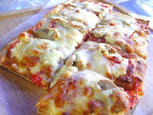 En lezzetli ve kolay Pizza Tarifi - Yemektarifleri8