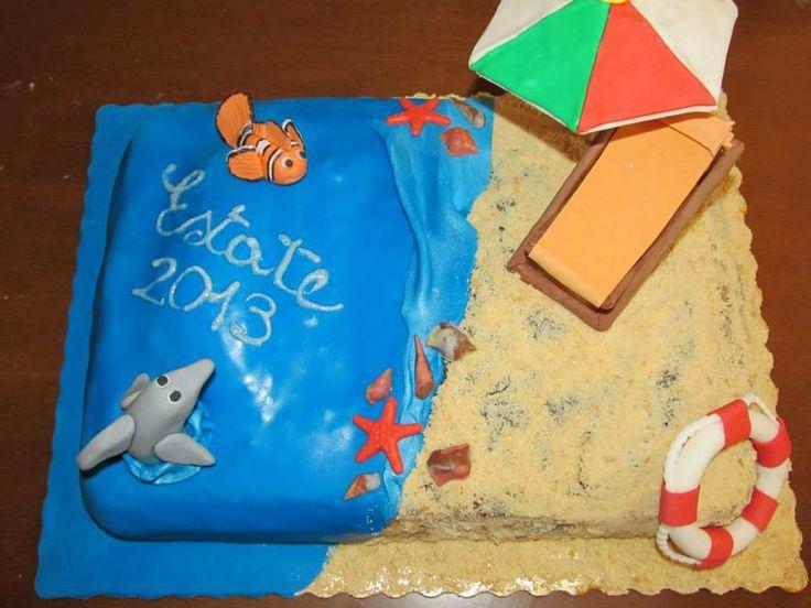 #Cakedesign e pasta di zucchero: In #spiaggia #Torta #estate 2013! #Mare, #sabbia, #pesci e #conchiglie! #Sdraio e #ombrellone! Non manca proprio nulla!