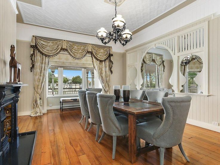 Historic queenslander dining room vj walls high ceilings for Queenslander living room ideas