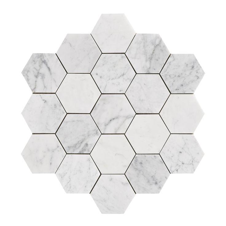 34105 U Hexagon Carrara Honed Large - GRUPPBILD  Slipad marmor i populärt hexagonformat. Plattorna levereras en och en.
