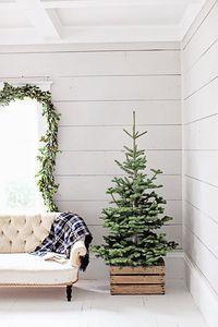 10x de mooiste kerstbomen in minimalistische stijl - Alles om van je huis je Thuis te maken   HomeDeco.nl