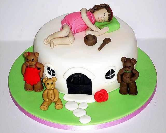 Goldilocks and the three bears birthday cake by EvaRose Cakes