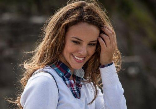 O cabelo de Paola Oliveira, que viverá a personagem Paloma na novela Amor à Vida, sem dúvida nenhuma vai ditar no moda entre a mulherada. Gente, a Paola