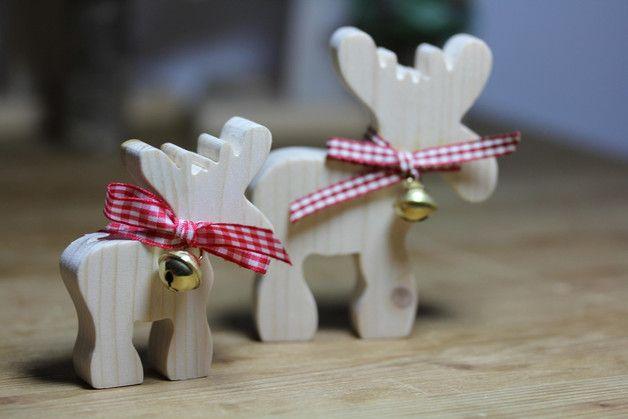 Deko und Accessoires für Weihnachten: Elch mit Glöckchen aus Naturholz noch größer made by Das Holzschaf, Schönes aus Holz und Wolle via DaWanda.com