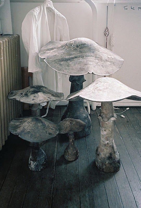 toadstool stools