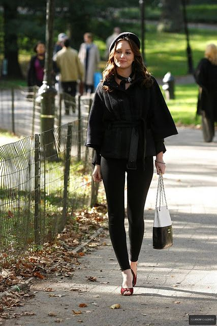 Blair Waldorf Stil, Gossip Girls, Winter Outfits, Promi Style, Leighton  Meester, Barett, Schick, Dr. Who