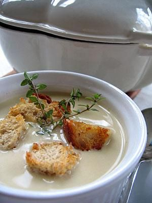 Zupa czosnkowa : Bardzo lagodna, kremowa zupa....