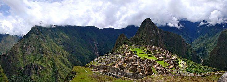 A 6 shot pano image of Machu Picchu