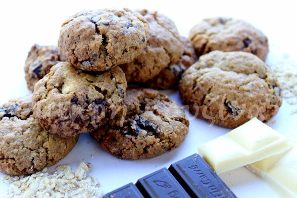 μικρή κουζίνα: Μαλακά μπισκότα βρώμης, με σοκολάτα και καρύδια