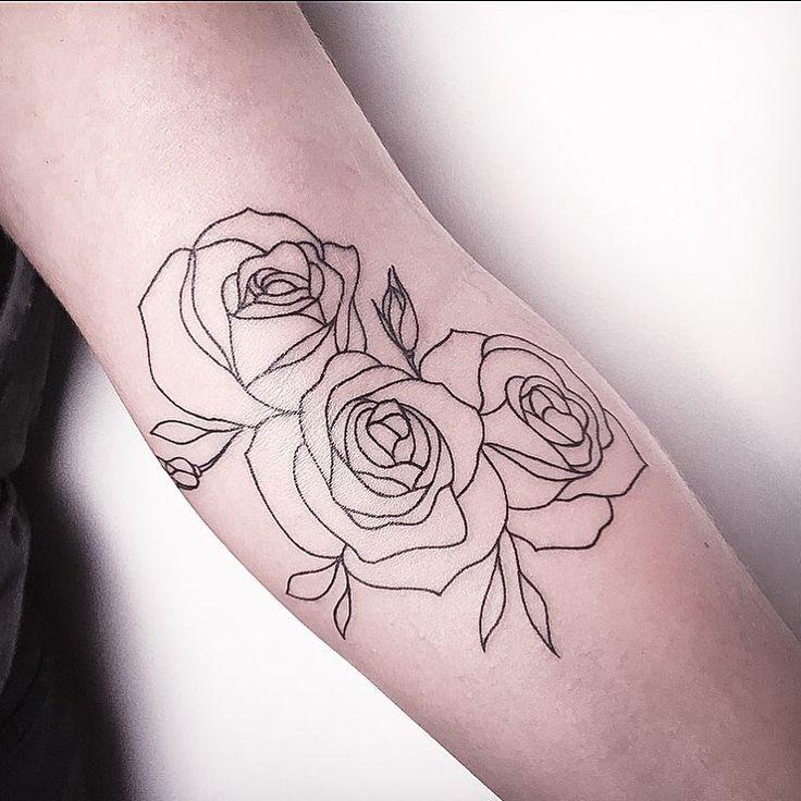 Tatuagem flores, traçado sem preenchimento