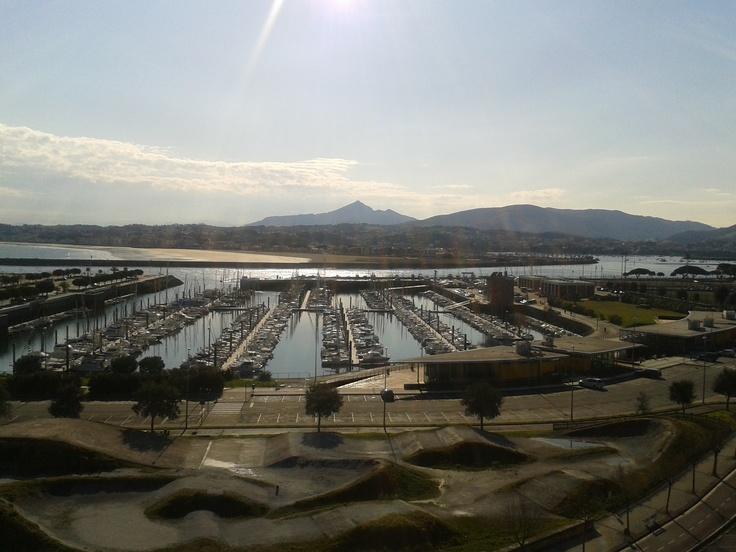 las mejores vistas de Hondarribia en directo http://www.hotelriobidasoa.com/index.php/webcam/