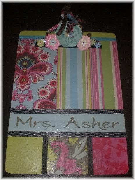 I love this embellished clipboard.