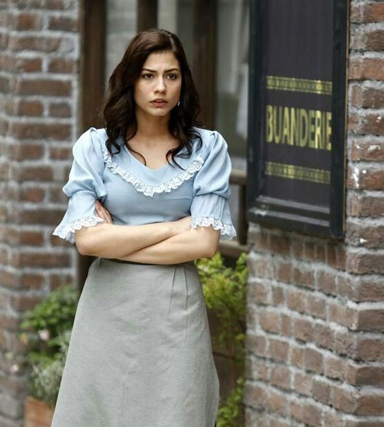 Turkish actress Demet Özdemir as Alya in (Kurt Seyit ve Şura İstanbul)