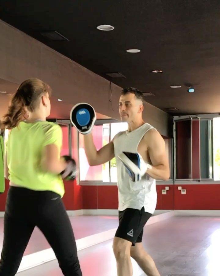 Güç, esneklik,süperfit vücut ����KICK BOX���� @deniz_turker teşekkürler #kickboxing #sparringday #student #coach #personaltraining #boxingday #escape #training #trainingneverends #strong #strength #cardio #exercise #fitgirl #fitness #fitnessaddict #fitfam #healthylifestyle #happiness #beauty #like4like #sport #gym #gymmotivation #crossfit #balance #instamood #instafit #instalike #personaltrainer http://butimag.com/ipost/1557439989666997232/?code=BWdI2s_FuPw
