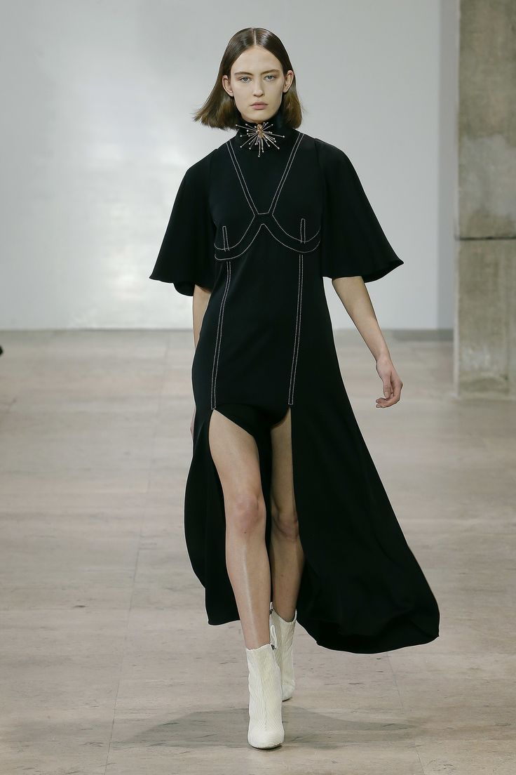 See the complete Ellery Fall 2017 Ready-to-Wear collection.