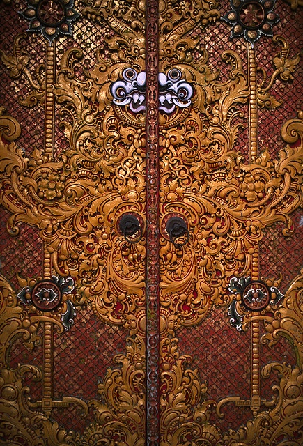 Bali (Indonesia) - Carved temple door by ๑۩๑ V ๑۩๑, via Flickr