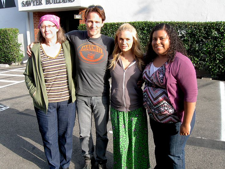 Lucky Truebie has lunch with Anna Paquin and Stephen Moyer on the True Blood setLucky Girls, Blood Fans, Fun Stuff, Lucky Truebi, Anna Paquin, Blood Sets, Stephen Moyer, Friends Marshaa, Anne Mary
