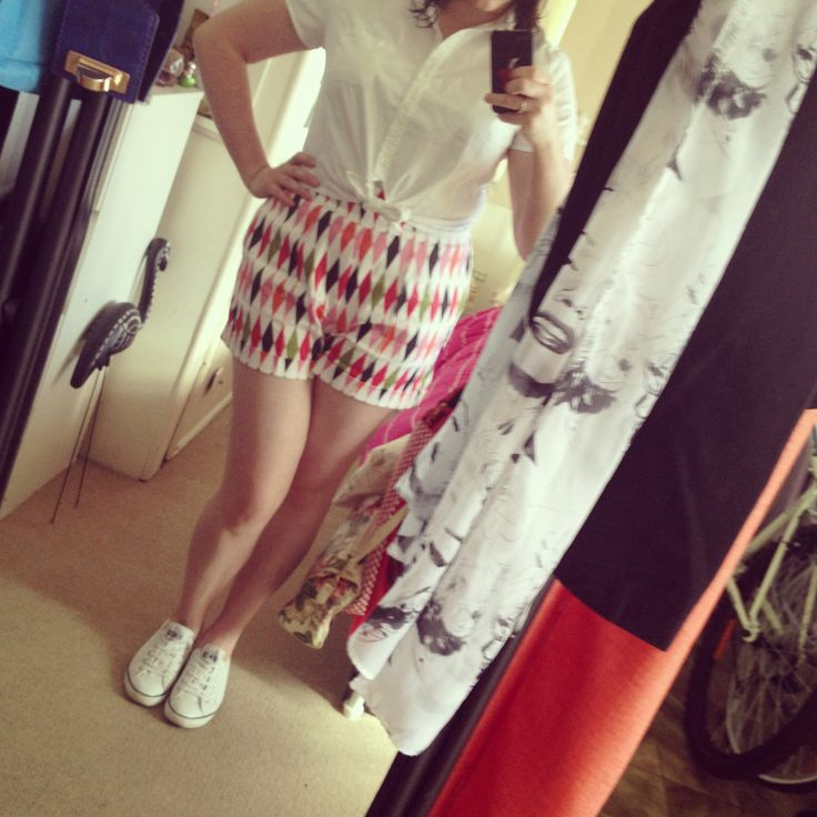 Harlequin Shorts, White Tie-Up Blouse and White Sneakers #PinUp