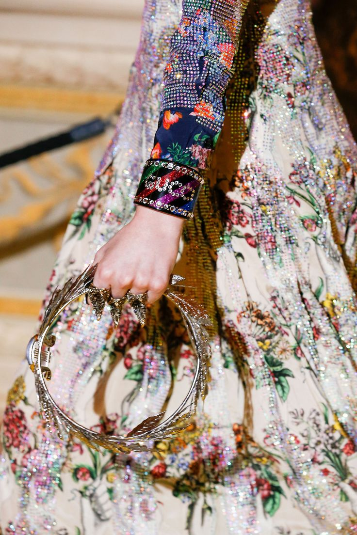 myworldofelegance:  Gucci Resort 2018  source:TheImpression.com  Photo/Imaxtree