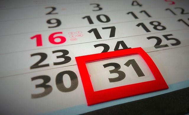 Calendario académico 2018 📆 https://portugueslenguasvivas.wordpress.com/2017/10/30/calend2018a/?utm_campaign=crowdfire&utm_content=crowdfire&utm_medium=social&utm_source=pinterest