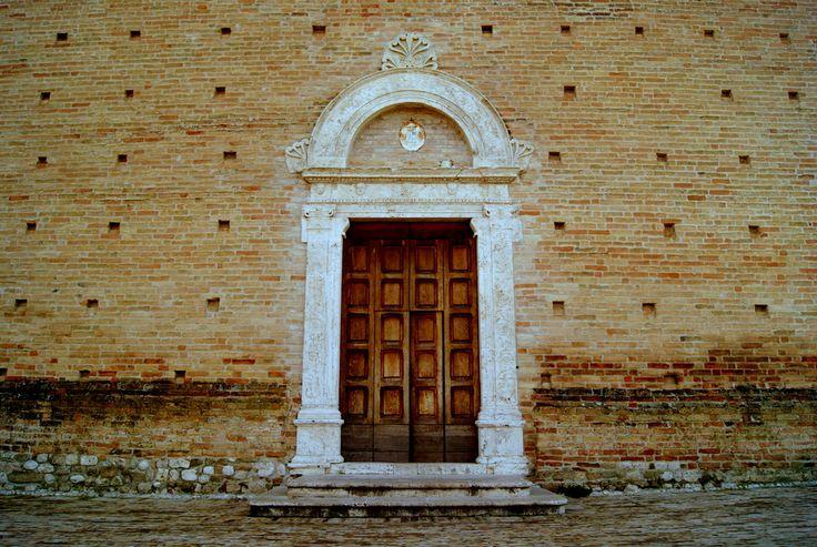 Portale della Chiesa di San Giovanni Battista #terredelpiceno