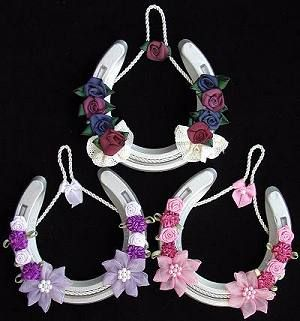 1000 images about decorated horseshoes on pinterest for Gift ideas for craft lovers