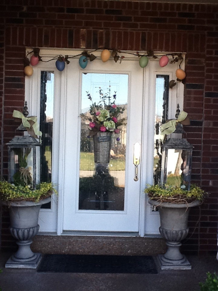 Curb appeal and a welcoming front door always makes a house feel like a HOME!