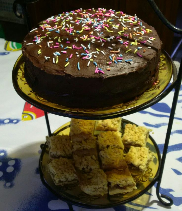 Chocolate cake & Apple crumble....